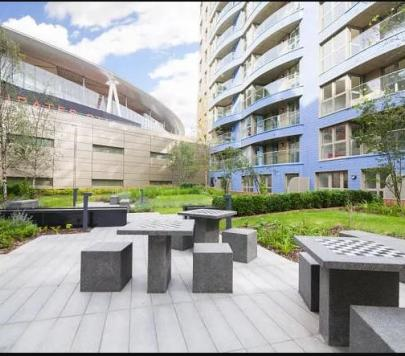 1 bedroom Furnished Studio to rent on Queensland Road, London, N7 by private landlord