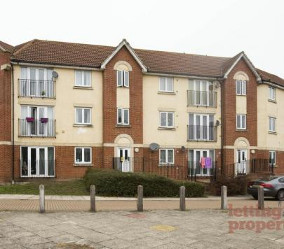 2 bedroom Any Flat to rent on Teasel Crescent, London, SE28 by private landlord