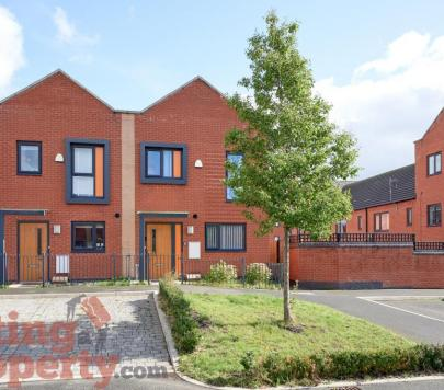 3 bedroom Furnished End of Terrace to rent on Florin Lane, Salford, M6 by private landlord