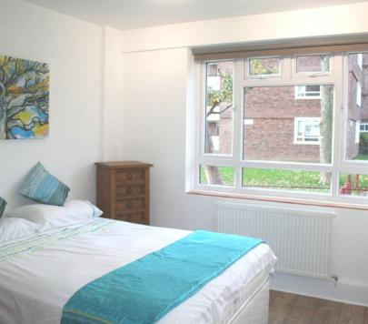 2 bedroom Furnished Flat to rent on Albert Drive, London, SW19 by private landlord