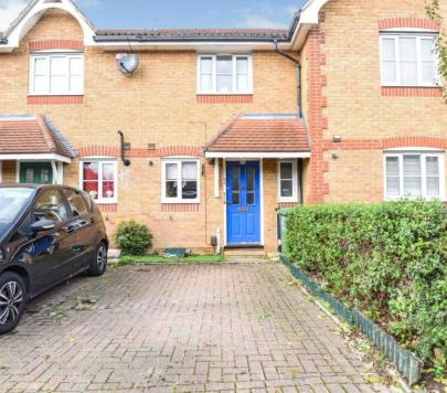 2 bedroom Unfurnished Terraced to rent on Foxglove Road, Romford, RM7 by private landlord