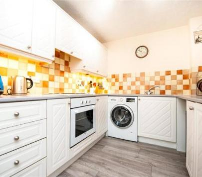 1 bedroom Furnished Flat to rent on West Street, Gravesend, Kent, DA11 by private landlord