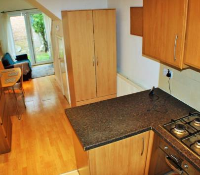 2 bedroom Furnished Semi-Detached to rent on Glebe Crescent, London, NW4 by private landlord