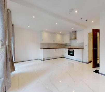 5 bedroom Furnished Terraced to rent on Lancaster Drive, London, E14 by private landlord