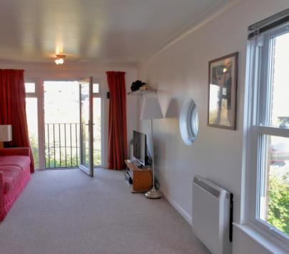 2 bedroom Unfurnished Flat to rent on Leabank Square, London, E9 by private landlord