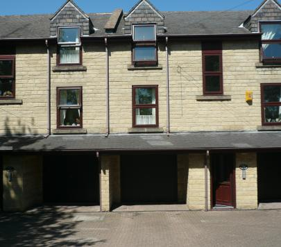 1 bedroom Furnished Flat to rent on College Road, Leeds, West Yorkshire, LS27 by private landlord