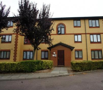 1 bedroom Part-Furnished Flat to rent on Churchill Close, Dartford, Kent, DA1 by private landlord