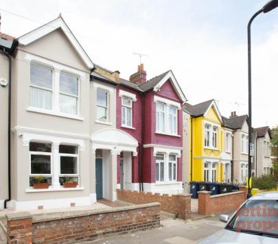 2 bedroom Unfurnished Flat to rent on 15 Hereford Road, London, W3 by private landlord