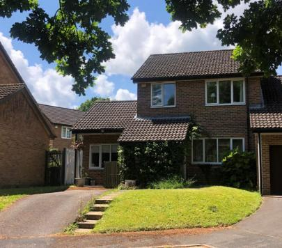 3 bedroom Any Link Detached House to rent on Hillside Way, Godalming, GU7 by private landlord