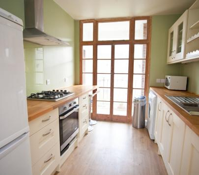 3 bedroom Any Apartment to rent on Vermont Road, London, SW18 by private landlord