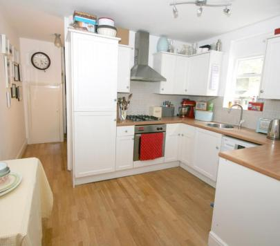 2 bedroom Furnished Terraced to rent on Rainham Road, London, NW10 by private landlord