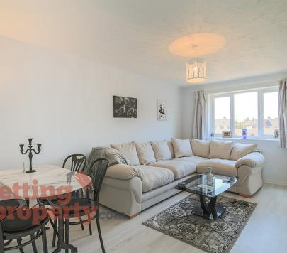 1 bedroom Furnished Apartment to rent on McMillan Court, Cumberland Place, London, SE6 by private landlord