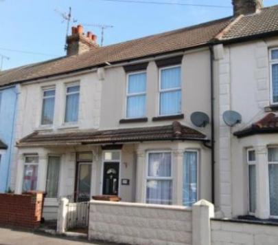 3 bedroom Unfurnished Terraced to rent on Selbourne Road, Gillingham, Kent, ME7 by private landlord