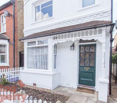 3 bedroom Unfurnished Detached to rent on Chestnut Road, London, SW20 by private landlord