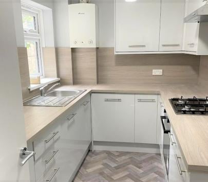 2 bedroom Unfurnished Flat to rent on The Park, Sidcup, DA14 by private landlord