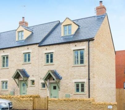 3 bedroom Unfurnished End of Terrace to rent on Newland, Witney, Oxfordshire, OX28 by private landlord