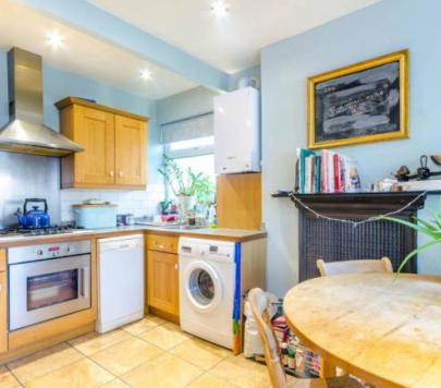 2 bedroom Any Ground Maisonette to rent on Gainsborough Avenue, London, E12 by private landlord