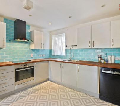 2 bedroom Part-Furnished Apartment to rent on Candle Street, London, E1 by private landlord