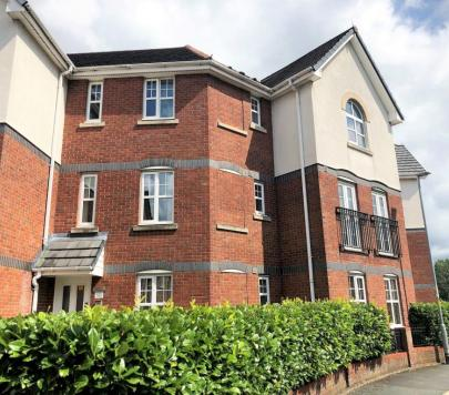 2 bedroom Unfurnished Serviced Apartments to rent on Cromwell Avenue, Stockport, SK5 by private landlord