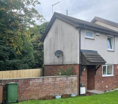2 bedroom Unfurnished Semi-Detached to rent on Saughs Drive, Glasgow, G33 by private landlord