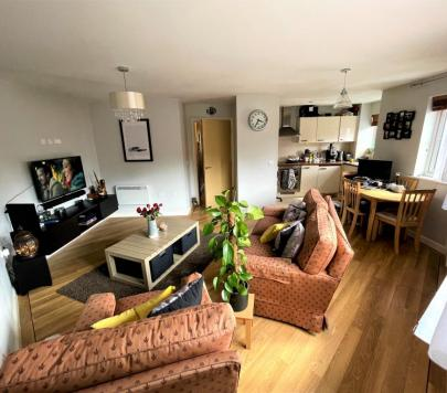 2 bedroom Any Apartment to rent on Lockhart Road, Watford, Hertfordshire, WD17 by private landlord