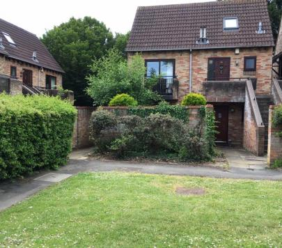 1 bedroom Furnished Flat to rent on Maiden Place, Reading, Berkshire, RG6 by private landlord