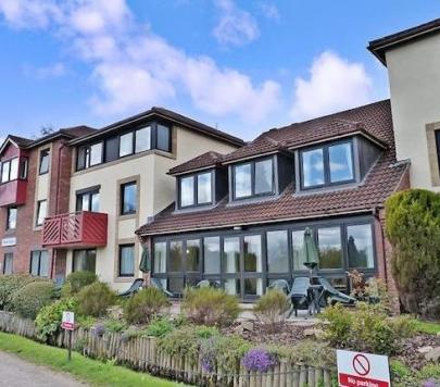 1 bedroom Unfurnished Penthouse to rent on Mere Court, Knutsford, Cheshire, WA16 by private landlord
