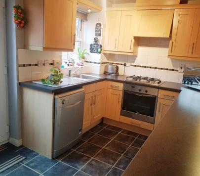 3 bedroom Unfurnished Semi-Detached to rent on Shaw Gardens, Langley, SL3 by private landlord