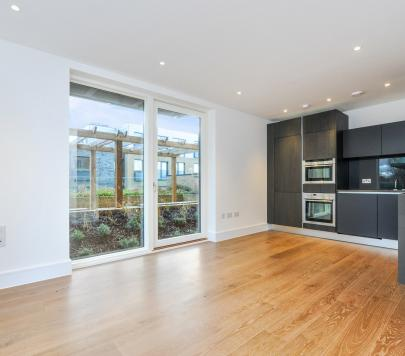 2 bedroom Unfurnished Apartment to rent on Wallace Apartments, Kidbrooke Village, London SE3, SE3 by private landlord