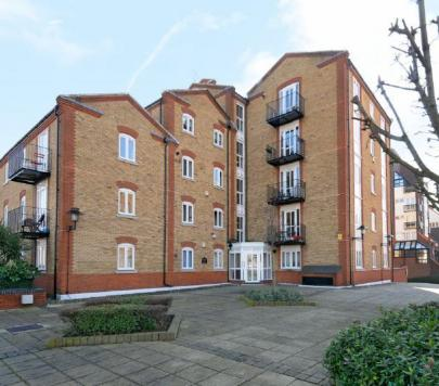 2 bedroom Furnished Apartment to rent on Rotherhithe Street, London, SE16 by private landlord