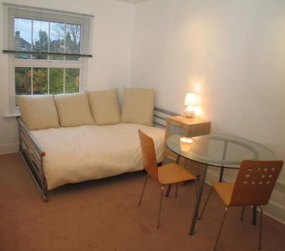 1 bedroom Unfurnished Studio to rent on Gap Road, London, SW19 by private landlord