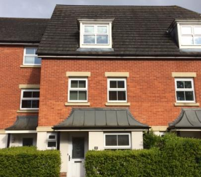 3 Bed House Terraced To Rent Greenwich Rd Reading Rg2 9fj