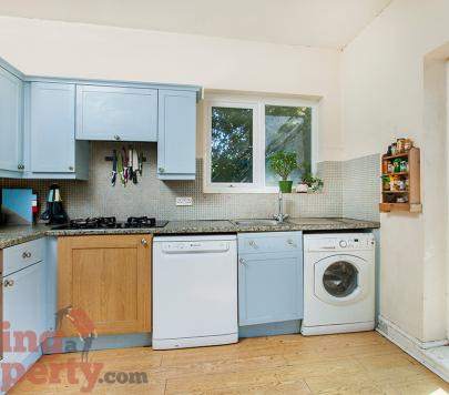 3 bedroom Furnished Ground Flat to rent on Hillfield Avenue, London, N8 by private landlord