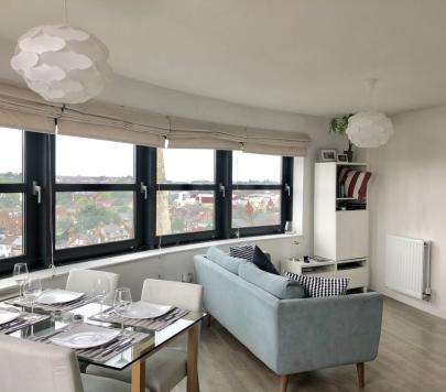 2 bedroom Furnished Penthouse to rent on Watlington Street, Reading, Berkshire, RG1 by private landlord