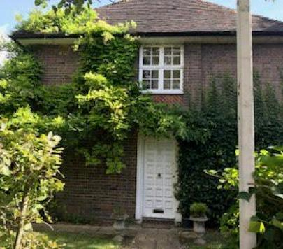 2 bedroom Furnished Maisonette to rent on Neale Close, London, N2 by private landlord