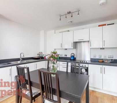 1 bedroom Furnished Apartment to rent on Parkside Avenue, London, SE10 by private landlord